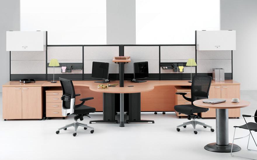 umeblowane stanowiska biurowe